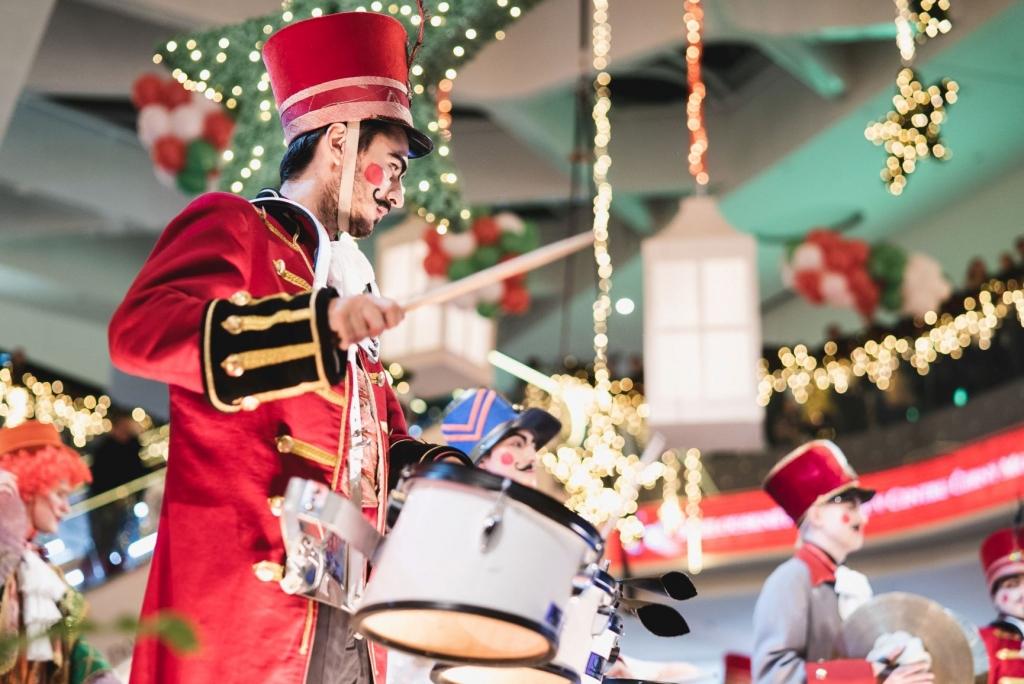 Mikulášská show, vánoční workshopy, bruslení nebo speciální balení dárků v Centru Černý Most