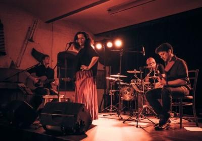 Ester Kočičková a Moody Cat Band